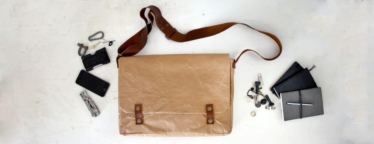natural-messenger-bag-sliders
