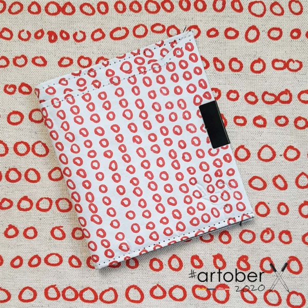 WrenArtober2020 Heather Moore White Square Wallet 1